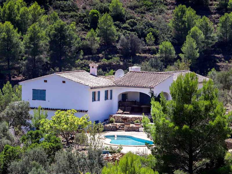 Zeer ruim huis 348,81m2 op 13000m2 grond vraagprijs 425.000€